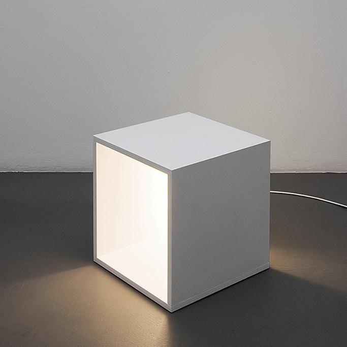 Luminária Lichtkiste de Clemens Tissi