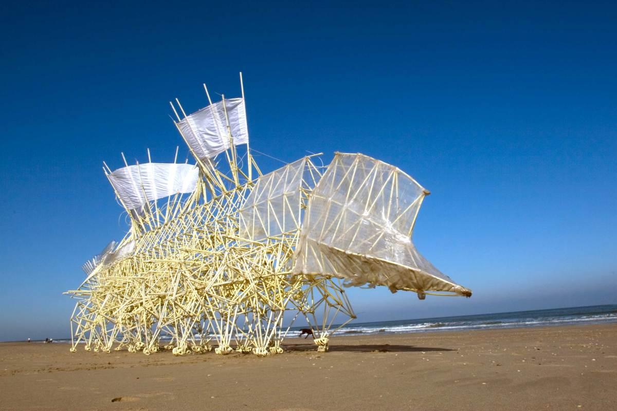 Escultura cinética de Theo Jansen