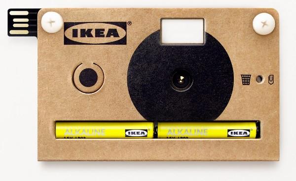 Câmera fotográfica de papelão
