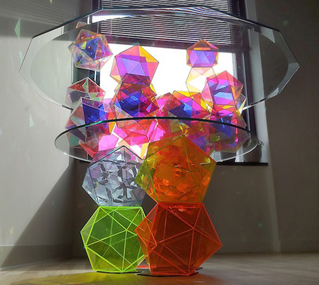 Sparkle-Geometric-Table
