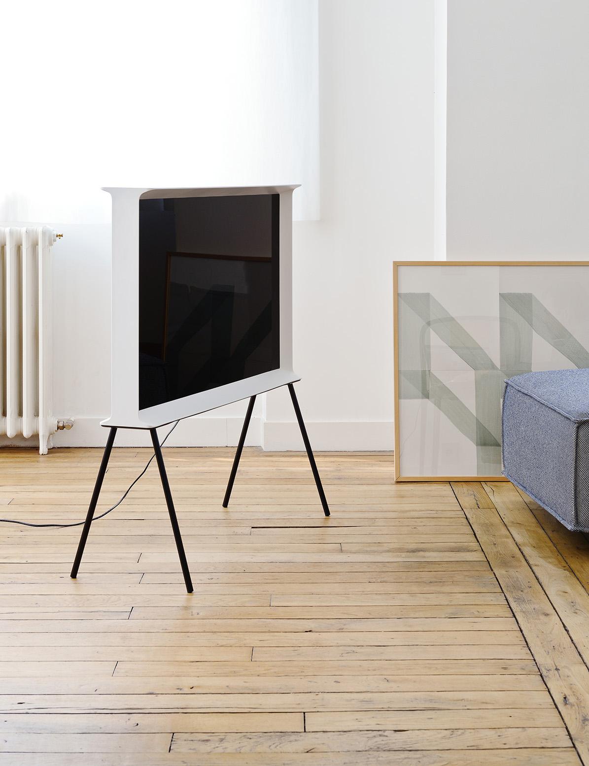 samsung serif tv une tipografia ao design do televisor caderninho de ideias. Black Bedroom Furniture Sets. Home Design Ideas