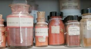 straus-center-pigments-12