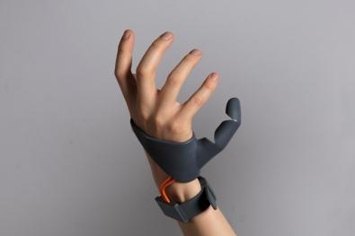 Third-Thumb-Dani-Clode-1